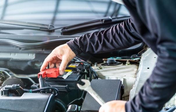 Podstawowe rodzaje akumulatorów samochodowych
