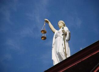 Jak znaleźć dobrego radcę prawnego
